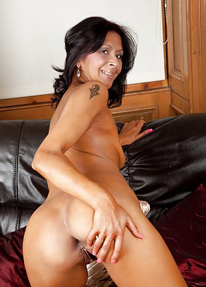Young Latin Pussy Pics