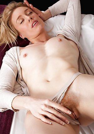 Blonde Pussy Pics